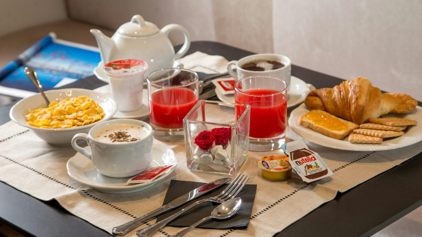 tridente-suites-rome-breakfast-room-15