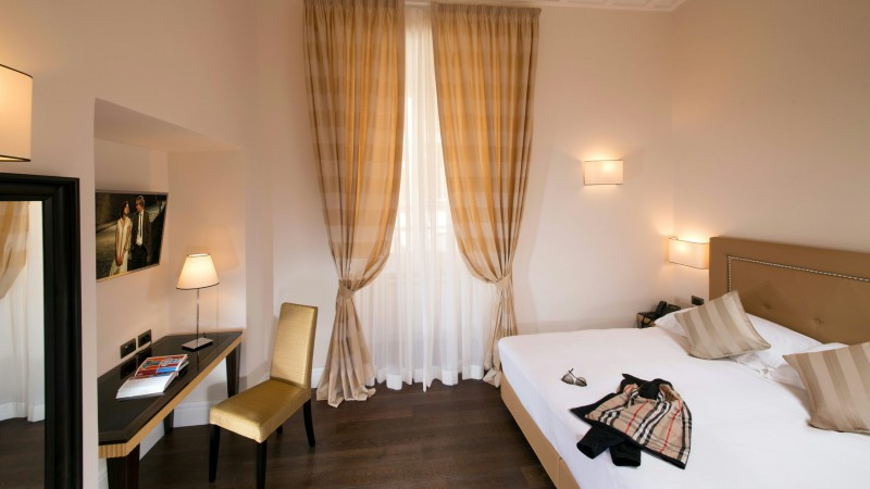 tridente-suites-rome-rooms-2
